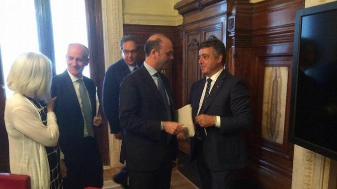 Nella foto Maurizio Pasca ed Angelino Alfano