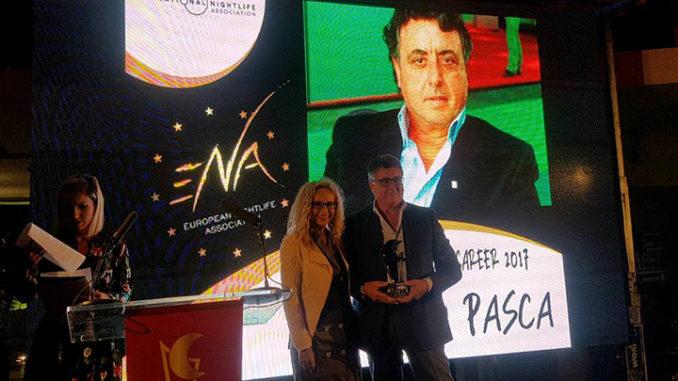 Foto della premiazione di Maurizio Pasca