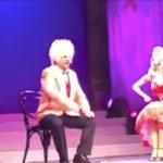 Alberico Lemme imitato a teatro dal Bagaglino… VIDEO