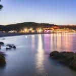 Fino Beach: musica, sole e relax dal mattino a notte fonda… in Costa Smeralda, a Cala Sassari